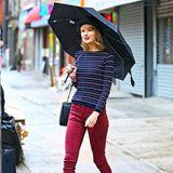 Taylor Swift strahlt im regnerischen New York.
