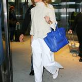 Gwyneth Paltrow kommt stylish am JFK Flughafen New York an.