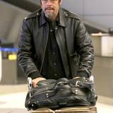 Benicio Del Toro scheint bei seiner Akunft in Los Angeles etwas müde.
