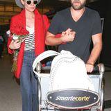 """Halt sie gut fest! Diane Kruger und Joshua Jackson laufen Hand in Hand durch den """"LAX"""" Flughafen in Los Angeles."""