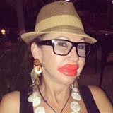 TV-Star Carmen Geiss mit XXL-Schnabel! Die Lippen sind allerdings nicht echt, sondern aus Plastik.