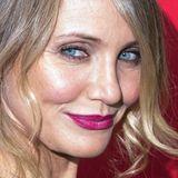 Die strahlend blauen Augen von Cameron Diaz leuchten mit mattpinkem Lippenstift noch kräftiger.