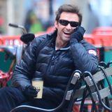 """Für Kaffeefan Hugh Jackman ist das tägliche Heißgetränk ein Muss. Der Australier besitzt in New York den Kaffee- und Teeladen """"Laughing Man""""."""