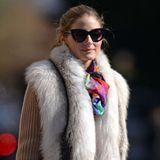 Strickjacke oder Pelzweste? Olivia Palermos Outfit ist gleiche beides in einem.