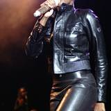 """Knackiger Auftritt: Auch Mary J. Blige ist ein großer Fan des Lederlabels - ließ sich von """"Belstaff"""" für ihre Tour im Herbst 200"""