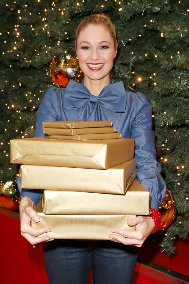Weihnachten 2016: Promis im Geschenkefieber - S. 14   GALA.de