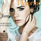 Victoria Beckham ziert die Mai-Ausgabe der deutschen Vogue mit schwarz gemalten Brauen.