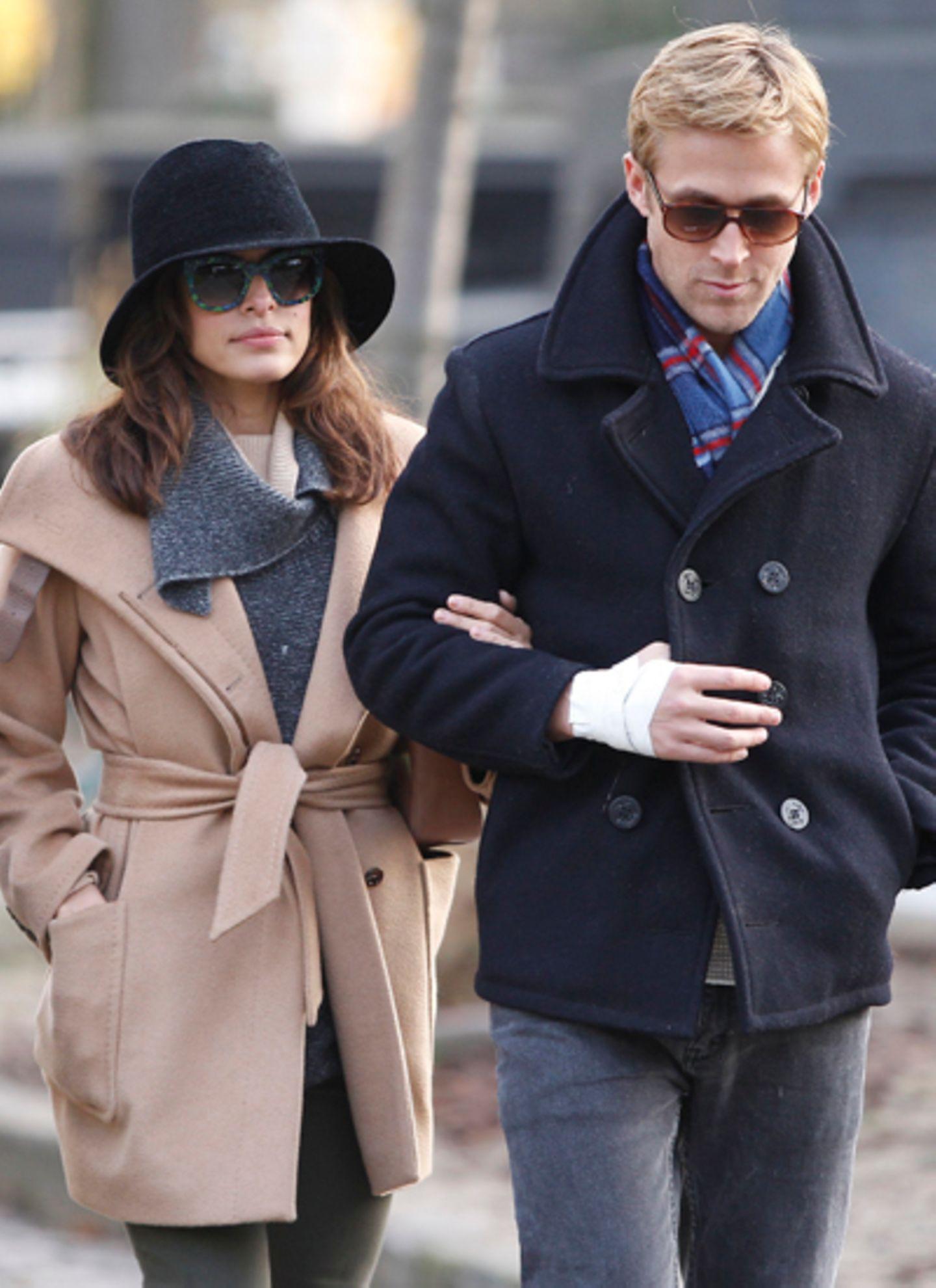 November 2011: Das Schauspielerpärchen Eva Mendes und Ryan Gosling flaniert durch Paris.