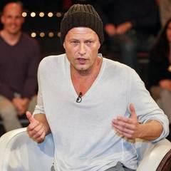 """Dezember 2013: Am 19. Dezember wird Til Schweiger 50 Jahre alt. Mit Mütze macht er jedoch einen geradezu jugendlichen Eindruck. """"Mein seelisches Alter liegt bei Ende 20"""", erzählt er im Interview mit dem Magazin """"Stern""""."""