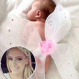 """September 2015:Die ehemalige """"GNTM""""-Kandidatin Yvonne Schröder lässt ihre Instagram-Follower mit diesem süßen Schnappschuss ihres """"kleinen Schmetterlings"""" an ihrer Baby-Freude Teil haben."""