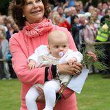 14. Juli 2012  Ihre Tochter Victoria und Schwiegersohn Daniel haben Silvia mittlerweile zur Großmutter gemacht. Die kleine Prinzessin Estelle ist ihr ganzer Stolz. In Zukunft wird sie noch viele weitere Enkelkinder bekommen.