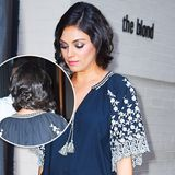 Mila Kunis hat sich nicht die Haare abgeschnitten, wie anfangs vermutet wurde. Ihre langen Haare hat sie in Wasserwellen gelegt und hinten ganz glamourös zusammengesteckt.