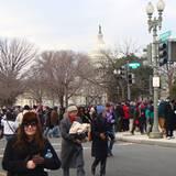 Beeindruckende Menschenmassen sind auf Washingtons Straßen unterwegs