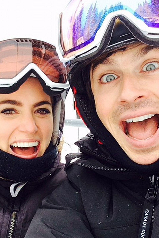 Nikki Reed und Ian Somerhalder senden gut gelaunte Grüße aus dem Skiurlaub im Sun Valley in Idaho.