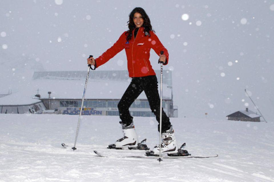 Micaela Schäfers erster öffentlicher Auftritt nach dem Dschungelcamp findet auf der Skipiste in Ischgl statt.