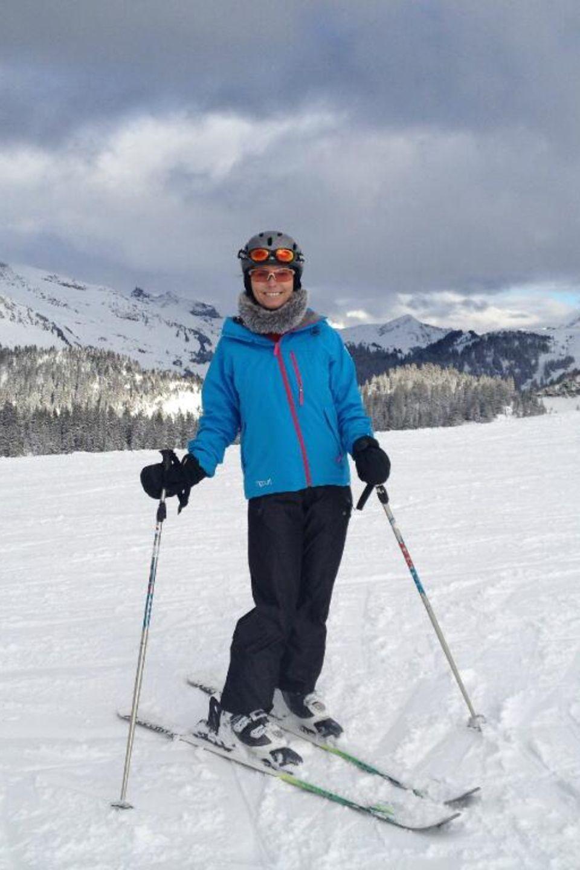 Shania Twain fährt Ski in Villars, Schweiz.