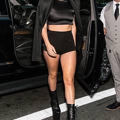 """Während der Fashion Week ist Lady Gaga ist wieder mit ihren Siebenmeilenstiefeln in New York unterwegs. Zur Show von """"Brandon Maxwell"""" geht sie mit erstaunlich sicheren Schritten zum """"Russian Tea Room"""" in New York City."""