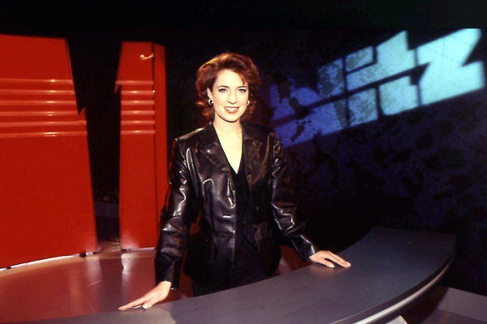 """06. Januar 1997: Monica Lierhaus im """"blitz""""-Studio von Sat.1"""
