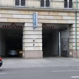 "Der Hintereingang des ""Adlon""-Hotels"