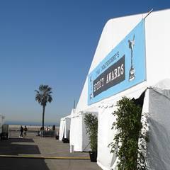 Das Festzelt am Strand von Malibu