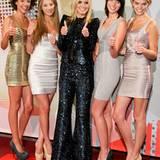 """4. Juni 2012: Bei einer Pressekonferenz präsentiert Heidi Klum die vier Finalistinnen der 7. Staffel der Casting-Show """"Germany's"""