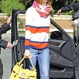 Jessica Alba hat ihre Sammlung gelber Taschen um ein Exemplar erweitert.