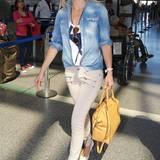 Besonders schickes Handgepäck trägt Kate Hudson hier mit der Riley Satchel Handtasche von Michael-Michael Kors.
