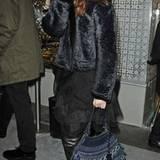 """""""Gossip Girl"""" Leighton Meester geht mit ihrer Versace-Tasche shoppen."""