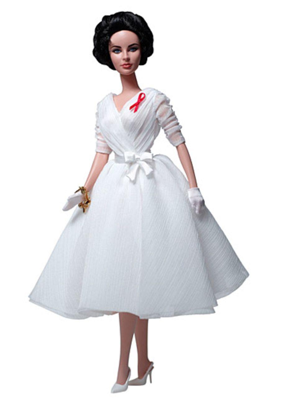 """Eine Hommage an Liz Taylor: mit der """"White Diamonds Doll"""" ehrt Mattel die Schauspielerin die Schauspielerin."""