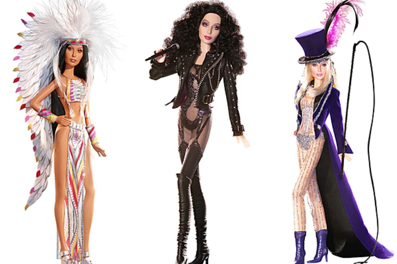Lang ist's her - Barbie als Cher! Und zwar im Style der 1970er Jahre. Weil die Sängerin so wandlungsfähig ist, widmet Mattel ihr