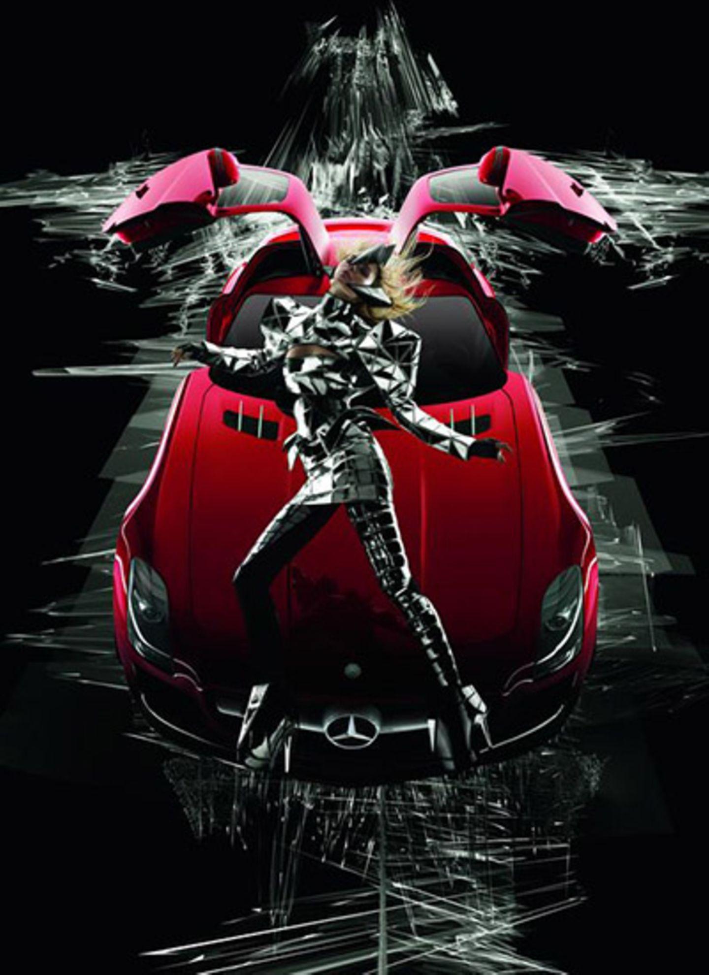 18. Dezember 2009: Zurück in die Zukunft - Das neue Plakat der Merceds Benz Fashion Week zeigt Julia Stegner und den neuen Stern