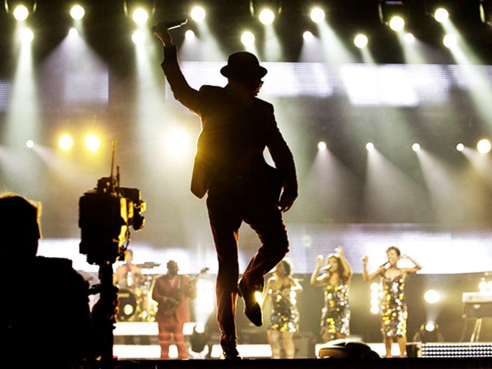 3. Dezember 2009: Voller Energie und Freude singt Jan Delay bei der Verleihung der 1Live Krone.