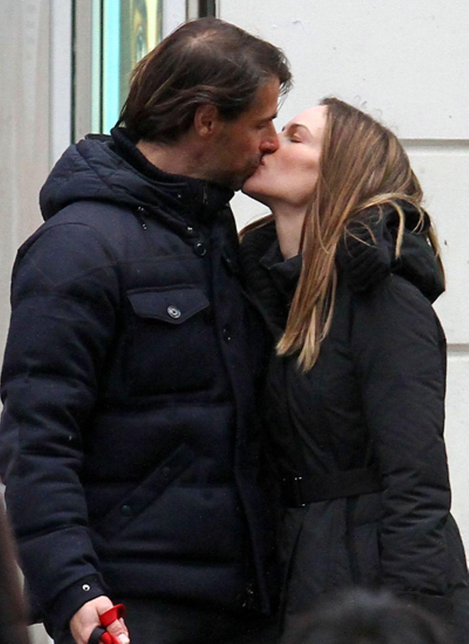 Neue Liebe in Frankreich: Schauspielerin Hilary Swank zeigt sich mit ihrem Freund, dem Immobilienmakler Laurent Fleury, in Paris