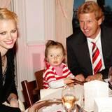 Benrd Buchholz hat sich Franziska Knuppe-Moestl und ihre Tochter Mathilda als Tischnachbarn ausgesucht
