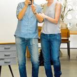 Jeans im Partnerlook: Star-Moderatorin Ellen Degeneres und Porti de Rossi geben sich modisch gern betont lässig.