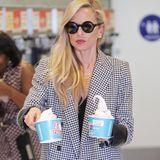 So viel Eiscreme! Rachel Zoe gönnt sich eine eiskalte Erfrischung in Beverly Hills.
