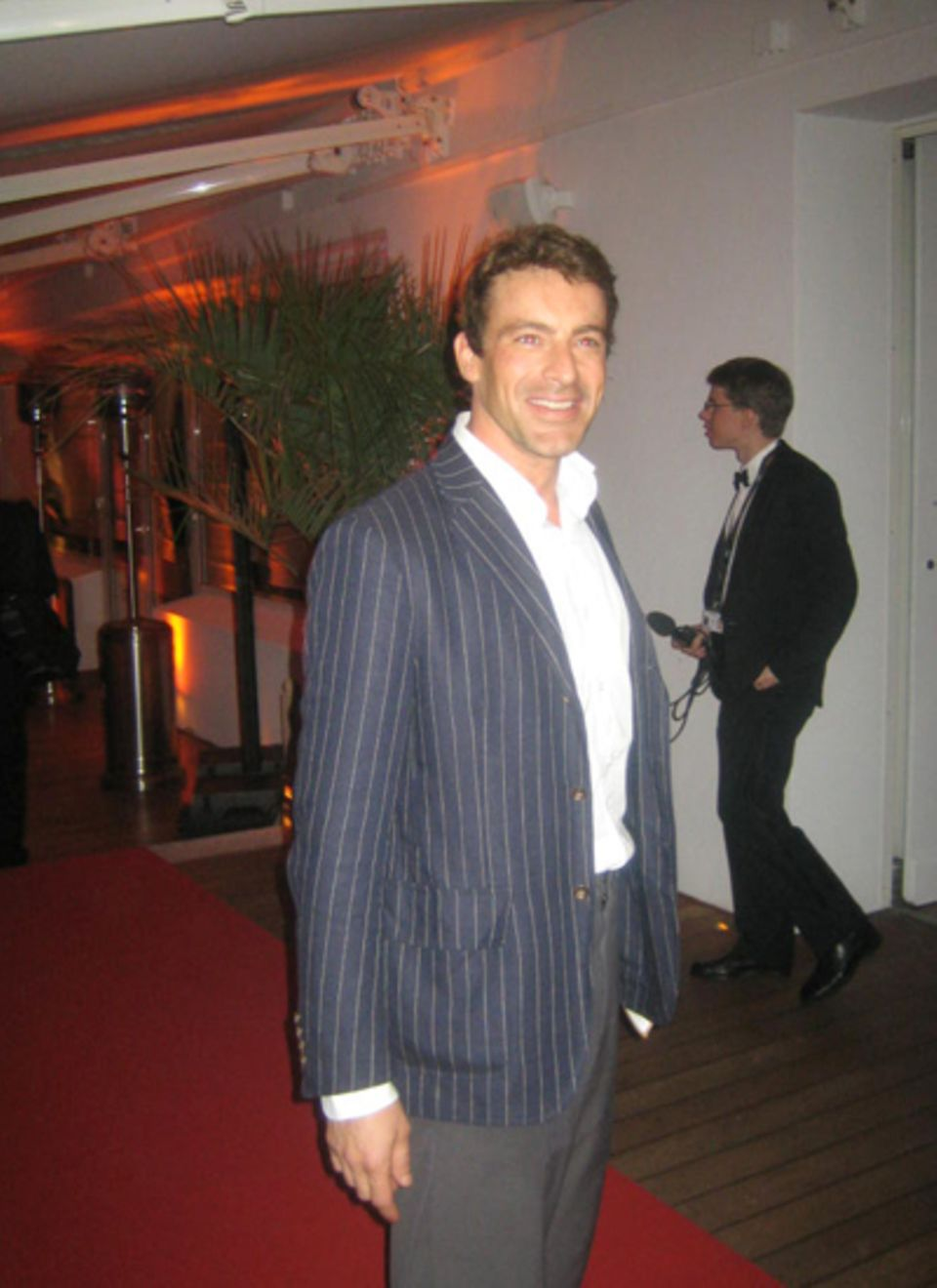 Auch der Schauspieler Gedeon Burkhard tummelt sich bei den Filmfestspielen.