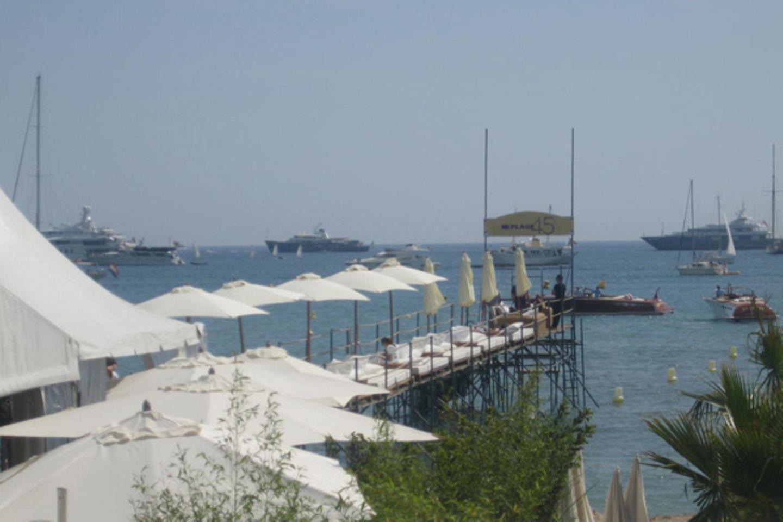 Croisette Beach: Hier treffen sich Filmschaffende und In-People zum Entspannen.