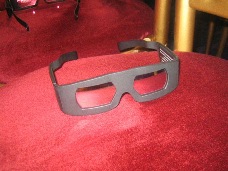 """Die 3-D-Brille ist Pflicht, wenn man die 5-minütigen Ausschnitte des Disney-Streifens """"A Christmas Carol"""" geniessen will."""