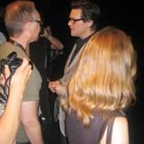 Nach einer 45-minütigen Pressekonferenz zeigt Jim Carrey keine Berührungsängste.