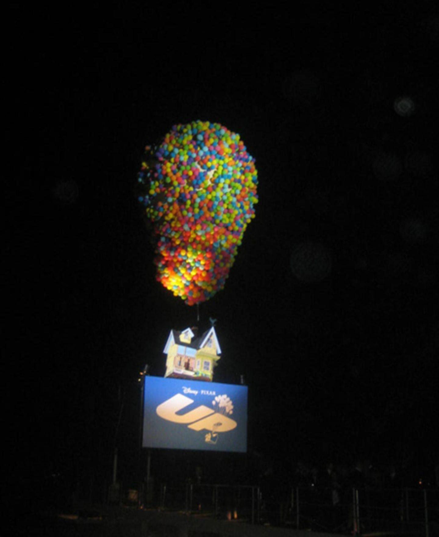 """Up Party Night: Jetzt gehts los: Der Startschuss für die gigantische """"Up""""-Party am Carlton Beach fällt."""