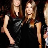 """Dana Schweiger und der ehemalige """"Unter Uns""""-Star Anna Julia Kapfelsperger haben für die Laurèl-Show während der Fashion Week in"""