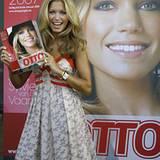 """16. Juli 2007: Sylvie van der Vaart ist das neue Gesicht auf dem """"Otto""""-Katalog."""