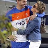 Juni 2010: Zusammen in Afrika: Sylvie unterstützt ihren Mann Rafeal bei der Fußball-WM. Er mit seinem Team den Einzug ins Finale