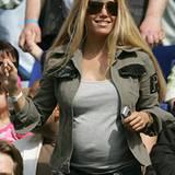 13. Mai 2006: Als kleiner Planet präsentiert sich Sylvie auf der Tribüne.