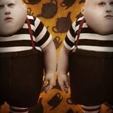 Natürlich sind auch die Zwillinge Tweedledee und Tweedledum dabei.