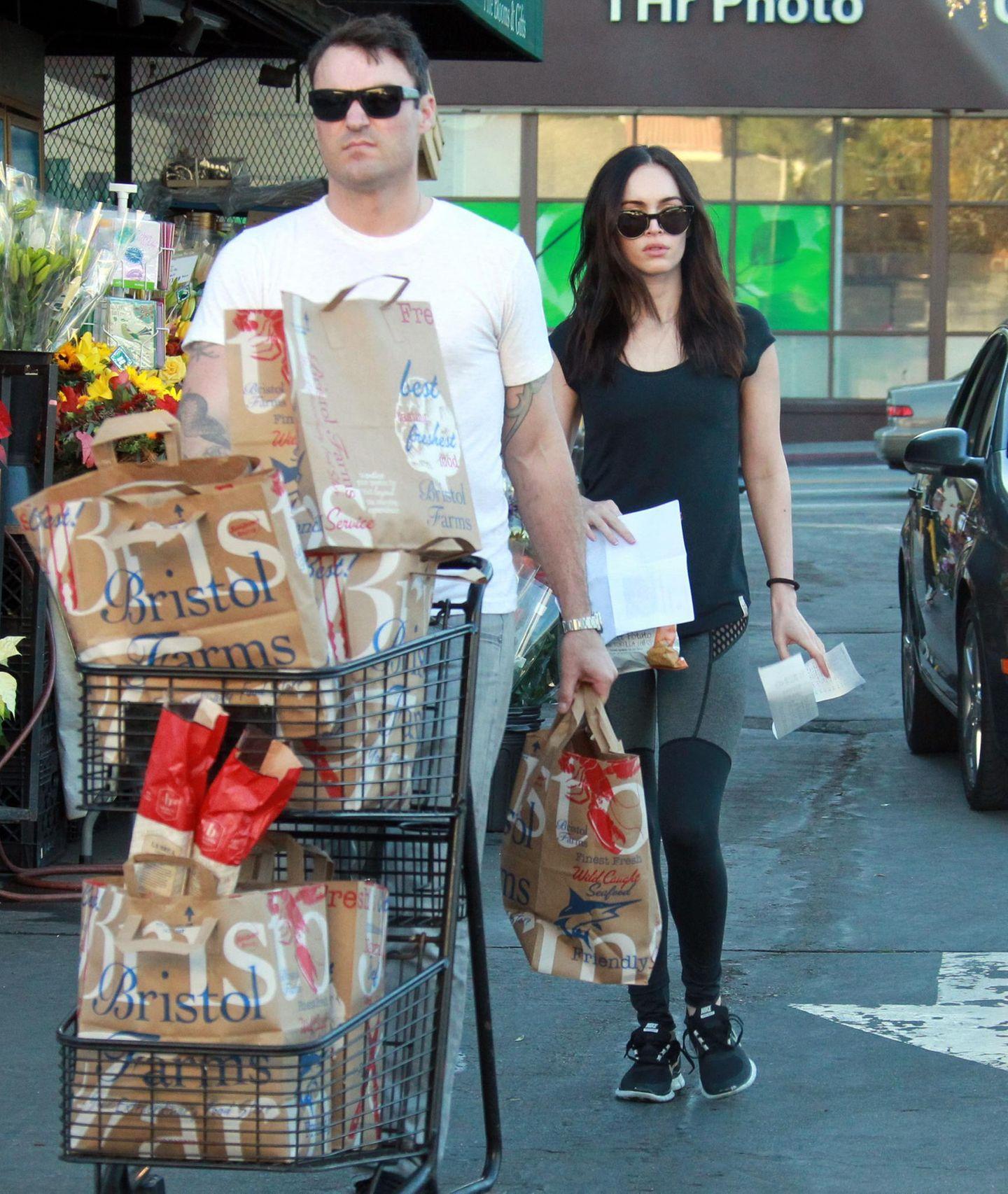Megan Fox und Brian Austin Green sind nun fertig mit ihrem Großeinkauf in Los Angeles.