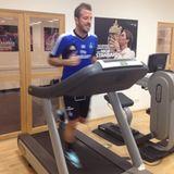 November 2013  Rafael van der Vaart läuft sich fit für das nächste Bundesligaspiel des HSV.