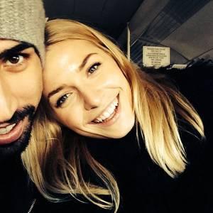 Dezember 2013  Sami Khedira und Lena Gercke freuen sich auf das neue Jahr.
