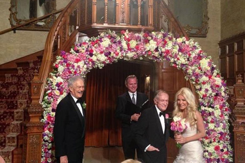 31. Dezember 2012: Hugh Hefner und das Playmate Crystal Harris haben sich endlich das Ja-Wort gegeben. Vor 18 Monaten war der er